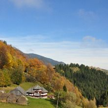 Day tour in Romanian mountain villages - Sirnea village