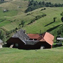 Small-Group Day tour in Romanian mountain villages - Pestera village