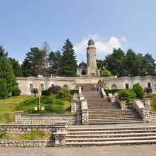 Day tour Transfagarasan road and Poienari Fortress - Mateias Mausoleum