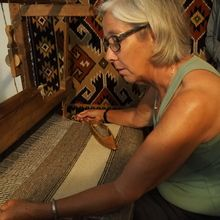 Village life in Transylvanian Carpathian mountains - 8 days - Visit at a traditional loom in Romania