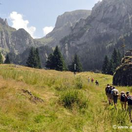 Castles and villages of the Carpathian Mountains - 4 Mountains in 7 days